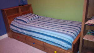 Kid's Mates Bed and Twin Mattress