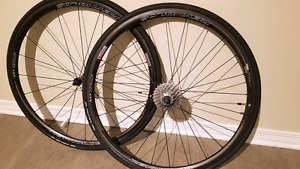 Paire de roues REYNOLDS ATTACK 29mm carbone  Shimano/Sram