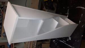 Shelf (twist design)