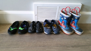 Toddler shoe lot - size 5
