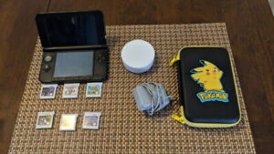 Nintendo 3DS XL with 6 games, case and NFC reader