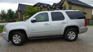 REDUCED! 2010 GMC Yukon with a remote starter! 9 seater!
