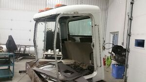 Peterbuilt 379 day cab  roof and rear panel