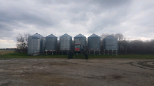 Wanted hopper bins and the right flat bottom grain bins