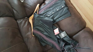 ***REDUCED*** NEW HARLEY DAVIDSON WOMEN'S LEATHER CHAPS, Tags on