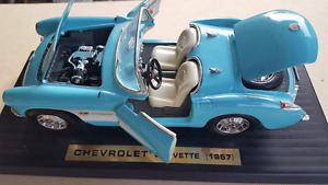 1957 CHEVROLET CORVETTE 1:18 Road LegendSky Blue Diecast RaceCar