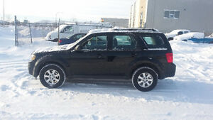 2010 Mazda Tribute LX Rare 4 cyl 5spd $4750Must See