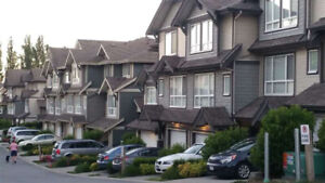 Large 4Br 1767ft Luxury Townhouse at Surrey Golf Course