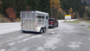 2012 Maverick light 2 horse trailer