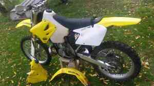 2004 RM 250, solid bike TONS of extras!!!!