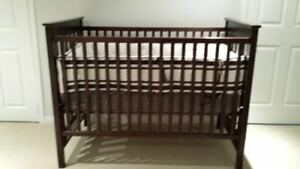 BABY-TODDLER CRIB-   with MATTRESSES/BEDDING