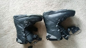 Freedom snowboard boots - Men's Size 9 London Ontario image 2