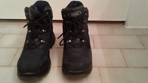 Cougar ladies hiking boots