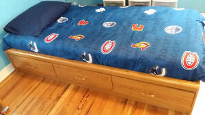 CHILDREN'S CAPTAIN BED