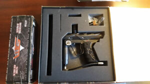 Paintball Gun (with CO2 tank, mask and hopper)-Complete with Box