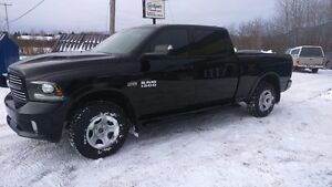 2014 Dodge Power Ram 1500 Sport - King CAB, V8 Camionnette