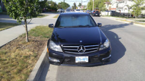 2014 Mercedes C300, no accidents, low KMs, Carfax report link