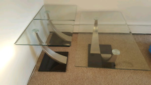 Glass coffee table with 2 sides