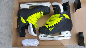 Graf Jr size 4.5 hockey skates