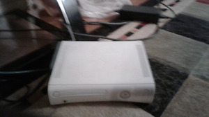 Used Xbox 360 with cotroller no batteries