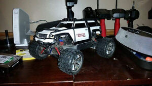 1/16 Brusheless Traxxas Erevo VXL with Summit conversion Kit