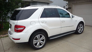2011 Mercedes-Benz M-Class Grand Edition Package SUV, Crossover