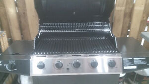 FREE BBQ NEW IN BOX  $420.00 value