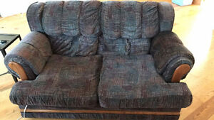 Great condition couch, no rips or anything. Pick up only