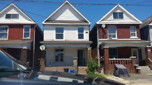 2 bedroom Apt in Hamilton (Duplex)