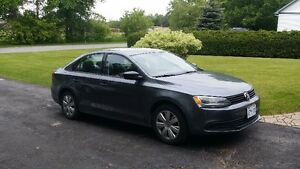 2011 Volkswagen Jetta Sedan/Power windows,doors, a/c, 117k