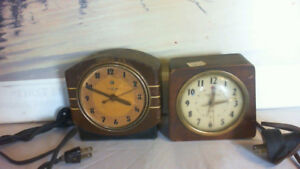 VINTAGE GENERAL ELECTRIC TABLE CLOCKS 2 LOTWORK READ AD FOR INFO