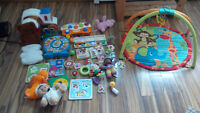 MUST GO - Collection of toys