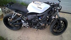 2003 Yamaha YZ-F R6 Stunt Bike