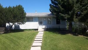 Cedarbrae 3 bedroom home Great Neighborhood lots of amenities