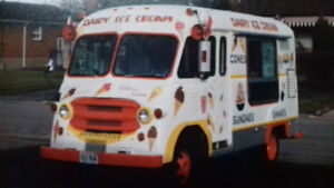 Original 1961 Ford Ice Cream Truck + All Opertable Machines