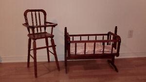 Chaise haute et berceau pour poupée