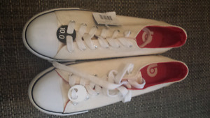 Men's shoes size 10. Brand new
