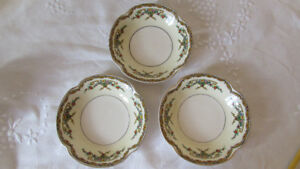3 SMALL VINTAGE PAREEK DISHES BY JOHNSON BROS.
