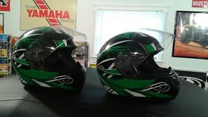 """Matching His/Her motorcycle helmets """"MINT"""""""