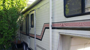 25 foot diplomat fifth wheel