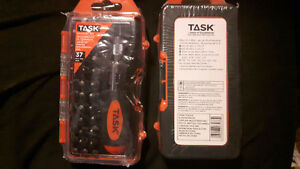 Task ratchet driver with assorted bits