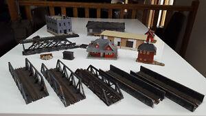 Model Trains - HO Scale Buildings & Bridges