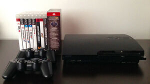 PS3 120GB + 2 manettes/controllers + 9 jeux/games