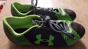 Boys size 2 under armour cleats!