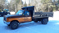 1988  F-450 Ford with dump box
