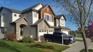 Large 4 Bed home in Okotoks, Walk to parks and schools