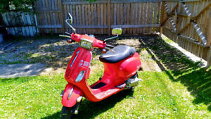 REDUCED: 2008 Vespa S - Great for scooting around town in style