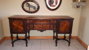 STUNNING ANTIQUE DINING TABLE, 6 CHAIRS & 11 FT. BUFFET
