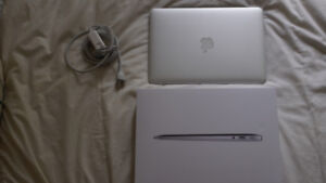 13-inch MacBook Air 2018 **PRACTICALLY NEW PURCHASED AUG 2018**