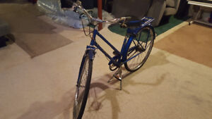 Vintage Raleigh Bicycle in EXCELLENT CONDITION